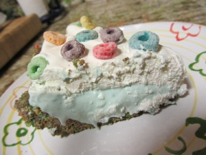 Fruit Loop Pie - www.SweetDashofSass.com