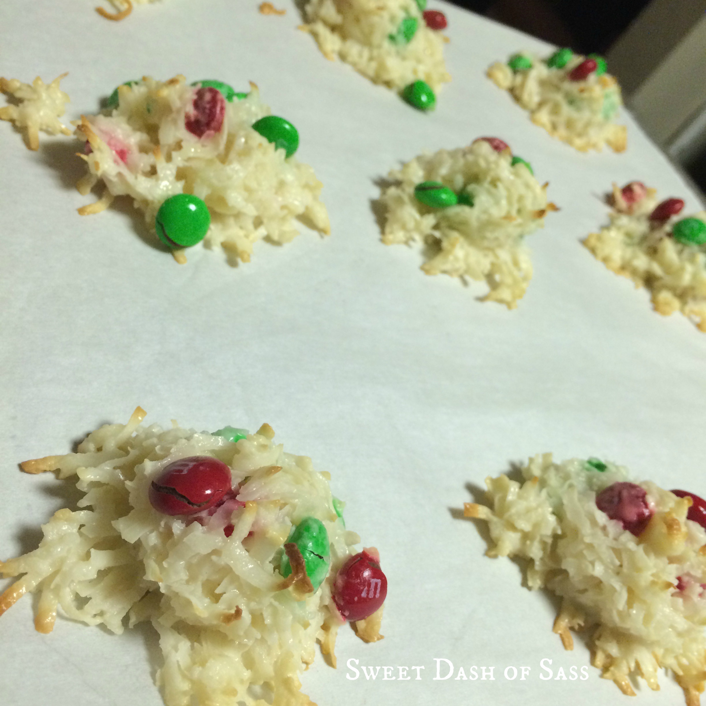 Coconut Macaroons with M&M's - #25DaysCookieStyle www.SweetDashofSass.com  --- ONLY 4 INGREDIENTS!!